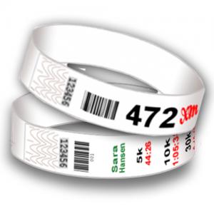 Startnummer plastarmbånd med stregkode og sekventiel nummerering