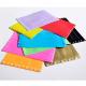 Blank plast armbånd i forskellige farver med knaplås